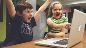 Детям планируют выделить три часа на компьютерные игры