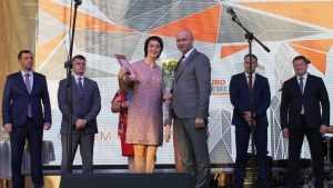 Руководители Брянской области поздравили фокинцев с праздниками