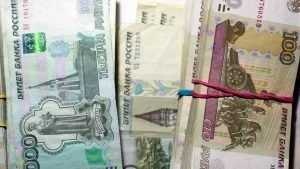 В Клинцах сын украл 49000 рублей из рабочего кабинета матери