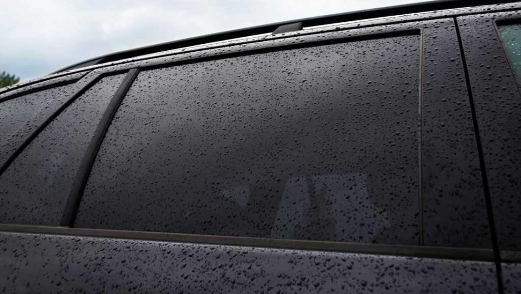 Зачем тонировать стёкла автомобиля
