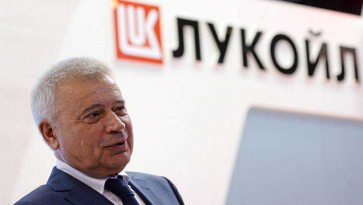 Российские нефтегазовые компании увеличили зарплаты «нищим» топ-менеджерам