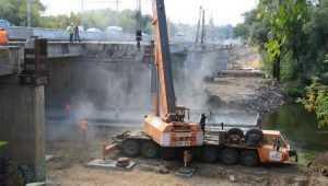 Подрядчику велели не затягивать ремонт Первомайского моста в Брянске