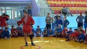 В Клинцах украинский чемпион провёл мастер-класс для юных самбистов