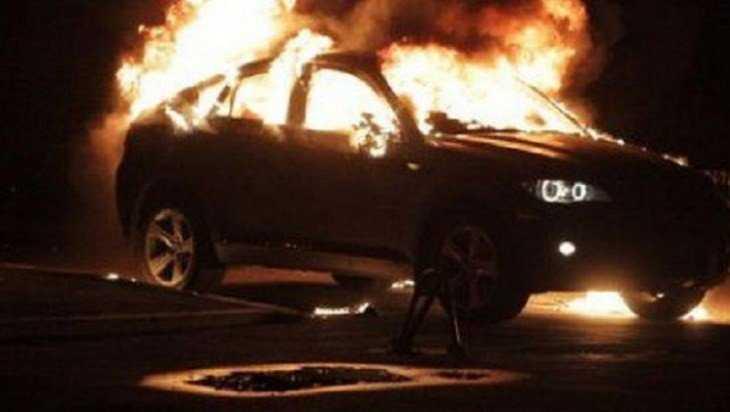В Унече сгорел легковой автомобиль