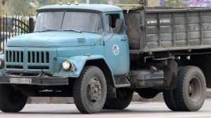 В Почепе 23-летняя девушка попала под колёса грузовика «ЗИЛ»