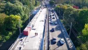В Брянске рабочие начали устранять дефекты Первомайского моста