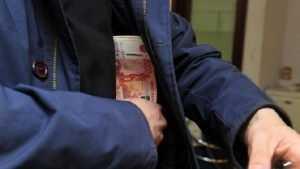 В брянском кафе один посетитель ограбил другого