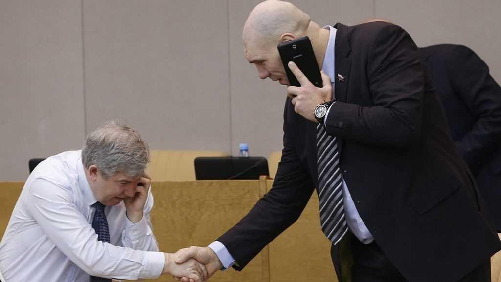 Брянских депутатов в Госдуме предупредили о селфи во время голосования
