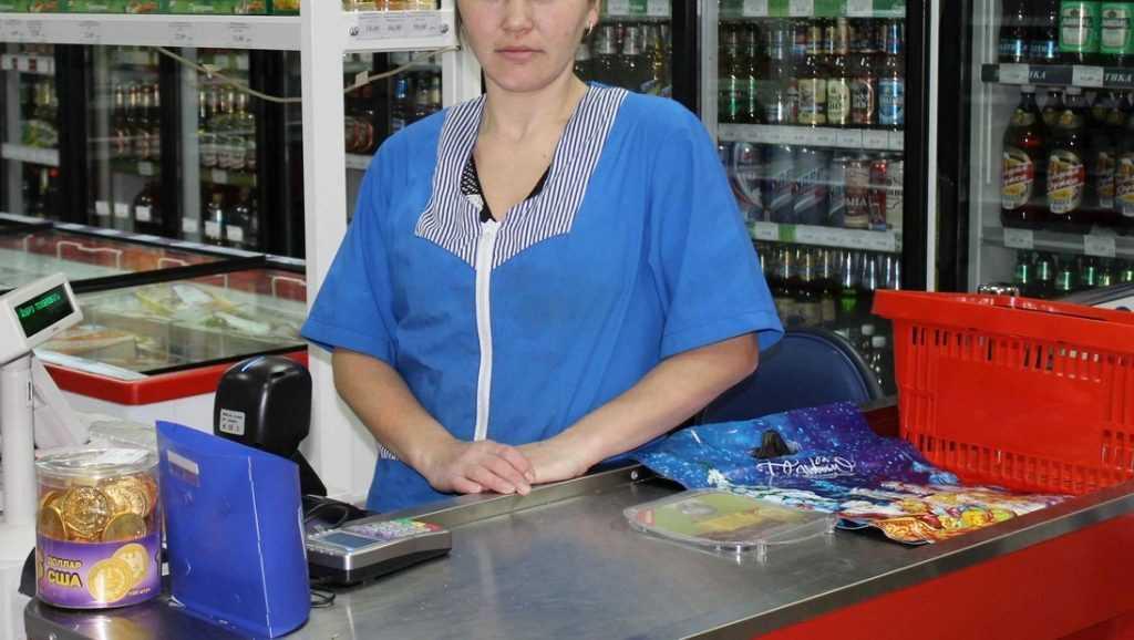 Брянский суд оправдал продавщицу магазина, похитившую 50 тысяч рублей