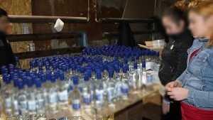 В Выгоничах закрыли подпольный спиртзавод и изъяли 70 тысяч бутылок