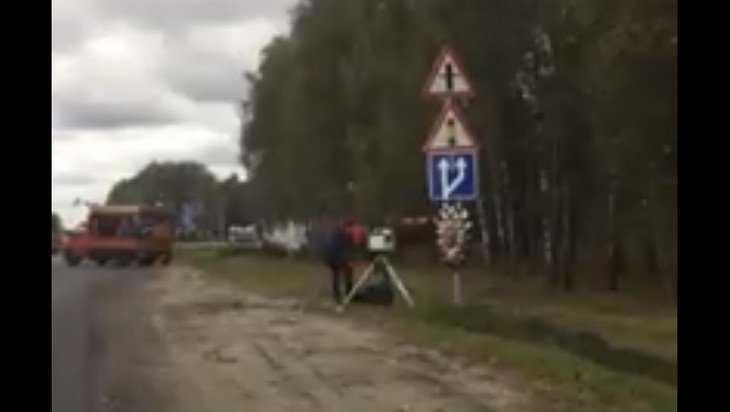 Разъяренный брянский водитель накинулся на дорожную камеру и охранника