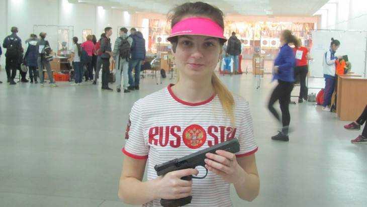 Ольга Веретельникова из Брянска взяла «бронзу» чемпионата мира по стрельбе