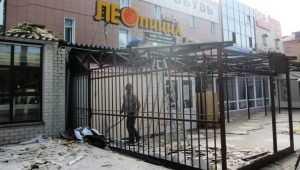 В центре Брянска снесли «Чудо-тандыр» и «Лео пиццу» у ТЦ Коломейцева
