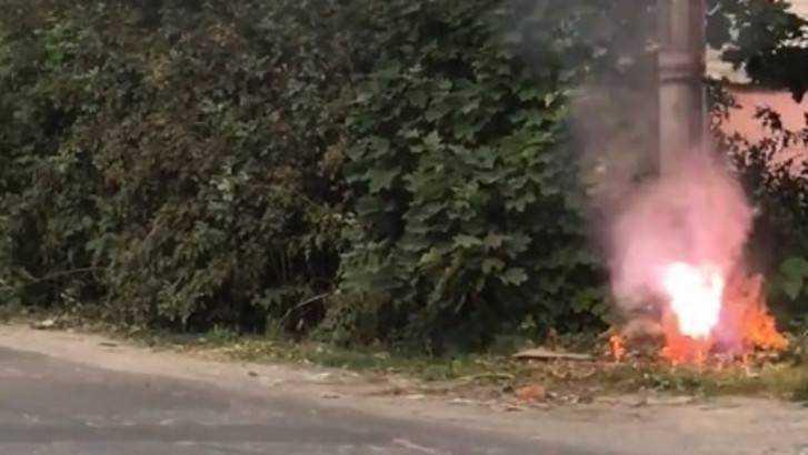 Замкнувший кабель вызвал огненное шоу в Новозыбкове