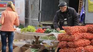 В воскресенье брянцы смогут купить дешевые фрукты на ярмарках
