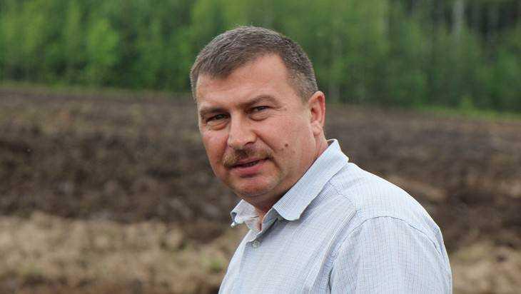Президент Путин наградил медалью брянского фермера Клюенкова