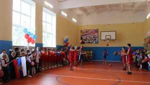 В Почепском районе после ремонта открыли спортивный зал школы