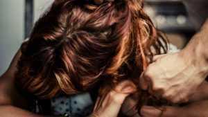 В Брянске пьяный уголовник насмерть забил 31-летнюю женщину