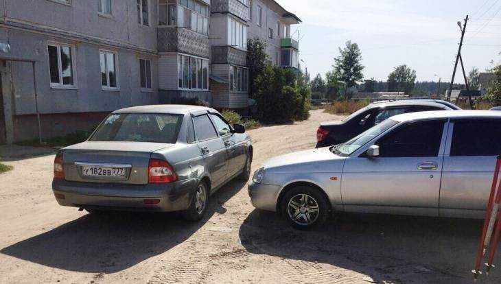 В Дятькове водитель и приезжий рабочий устроили битву на парковке