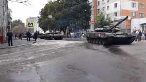 В Брянске прошла полномасштабная репетиция большого военного парада