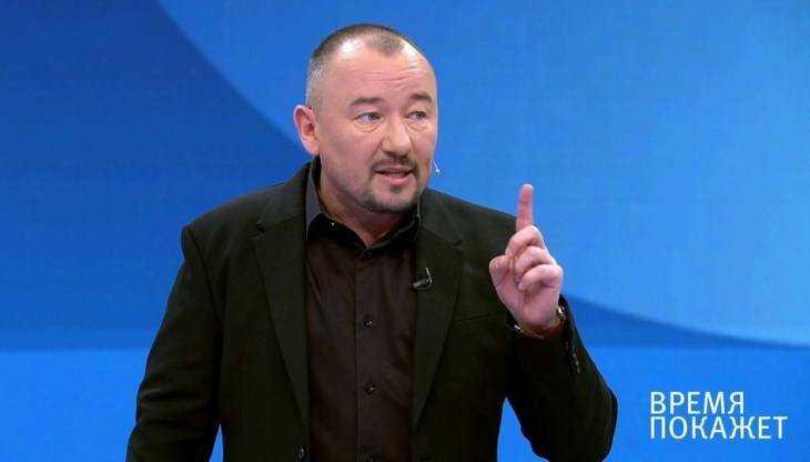 Телеведущий Артём Шейнин поздравил Брянск в эфире Первого канала