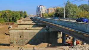 В Брянске строители Первомайского моста сражались с деснянской водой