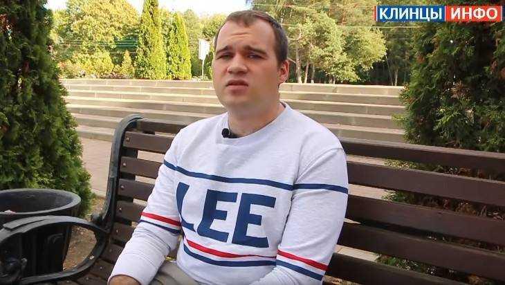 Защитившему пенсионерку от пьяного отморозка брянскому парню пригрозили судом