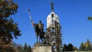 В Брянске продолжается капитальный ремонт на Покровской горе
