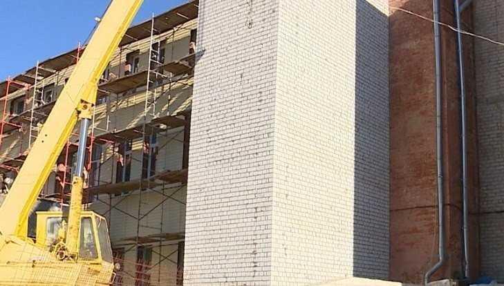 В Клинцах подошел к завершению ремонт центральной больницы