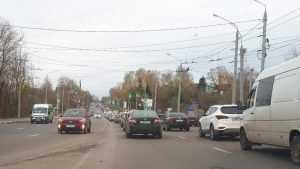 В Брянске из-за дорожных работ возник затор на Городищенской горке