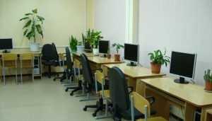 В Климове в техникуме обнаружили опасные для здоровья стулья
