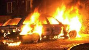 В Карачеве ночью сгорел автомобиль