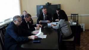 Брянский депутат Валентин Суббот провел прием новозыбковцев