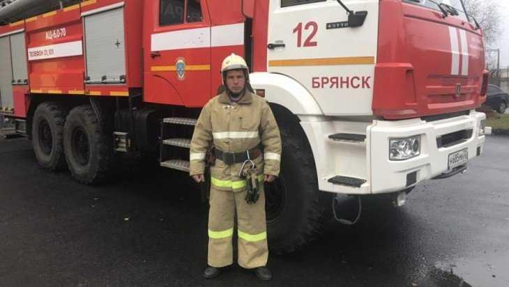Жуковский огнеборец спас десять человек на пожаре