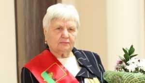 Почётным гражданином Брянска стала железнодорожник Валентина Стененкова