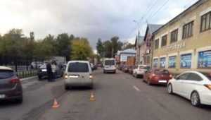В Бежицком районе Брянска Volkswagen сбил 15-летнюю девочку