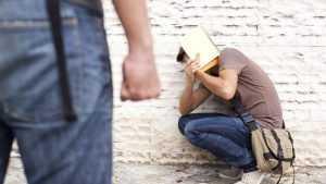 В Клинцах осудили несовершеннолетних вымогателей