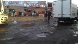 В Брянске сотрудники ФСБ нагрянули с проверкой на легендарный рынок