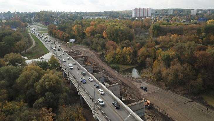 Губернатор Богомаз проверил дорожные работы на Городищенской горке