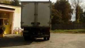В Унечском районе фургон при движении назад наехал на пенсионерку