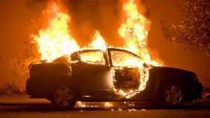 В Брянске ночью на улице Гоголя сгорел автомобиль