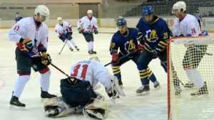 Брянский хоккейный клуб в Пензе за два матча пропустил 13 шайб