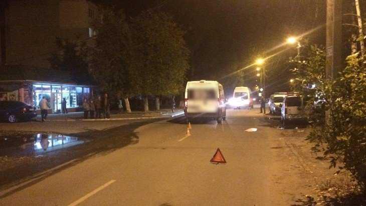 В Брянске на улице Молодой Гвардии маршрутка №47 сбила пешехода