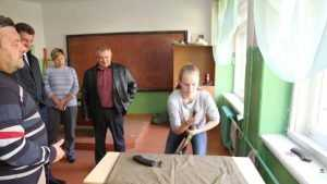Брянская школьница собрала автомат быстрее чеченцев
