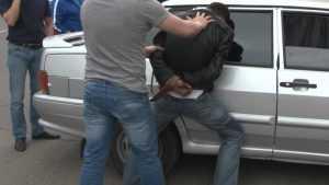 Житель Карачева по ошибке предложил наркотики полицейским