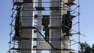 В Брянске на Покровской горе развернулись ремонтные работы