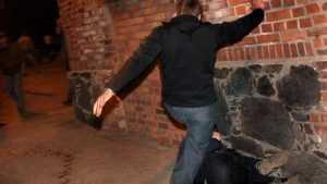 В Брянске уличный грабитель напал на случайного собутыльника