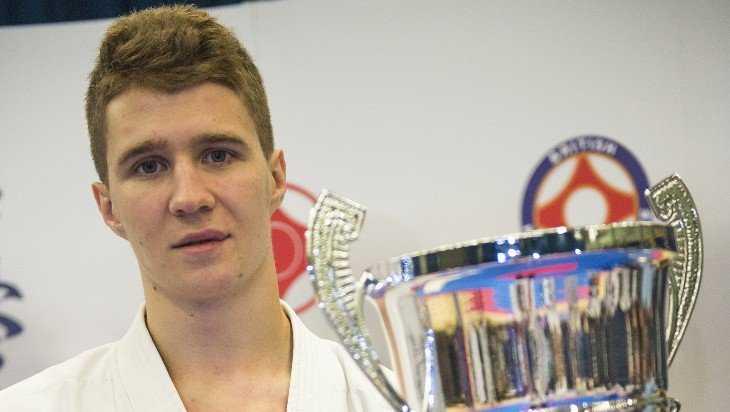 Брянец взял «серебро» на чемпионате Великобритании по каратэ киокусинкай