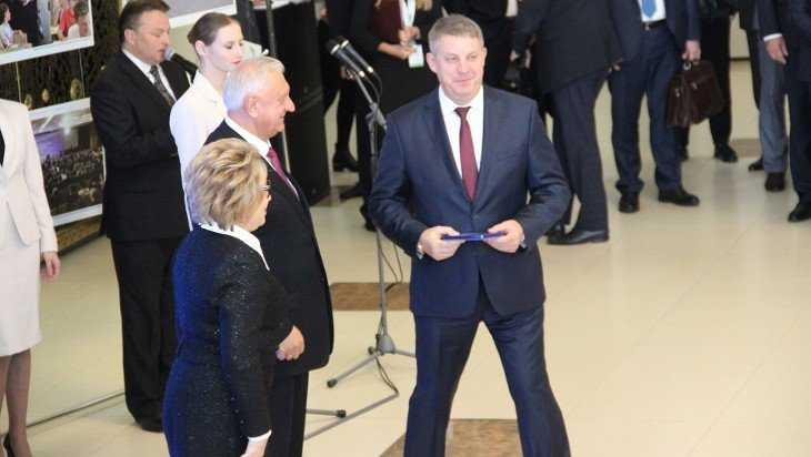 Брянского губернатора Богомаза наградили в Белоруссии