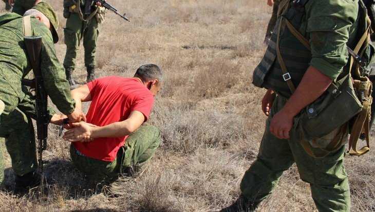 Украинский уголовник нелегально перешел через границу в Брянскую область
